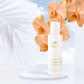 Pure Fiji -  Vitamin C Brightening Creme with Hyaluronic & Lime Caviar